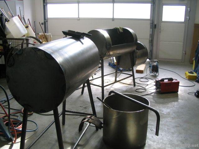 versuch einen smoker selbst zu bauen das forum zum grillen barbecue und dutch. Black Bedroom Furniture Sets. Home Design Ideas
